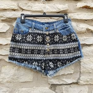 UO BDG Dree High Rise Sweater Front Shorts 28